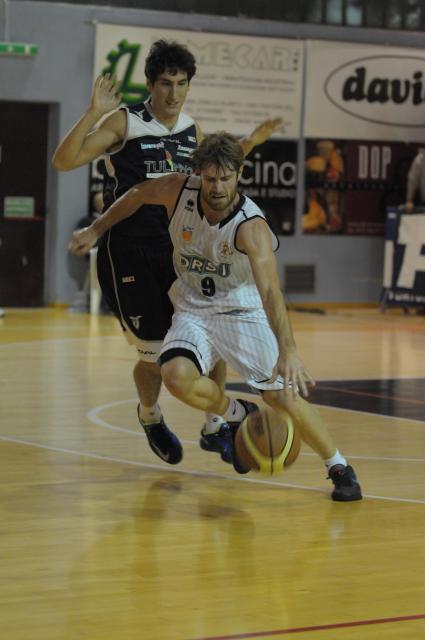 Venuto - palleggio - Derhona Basket