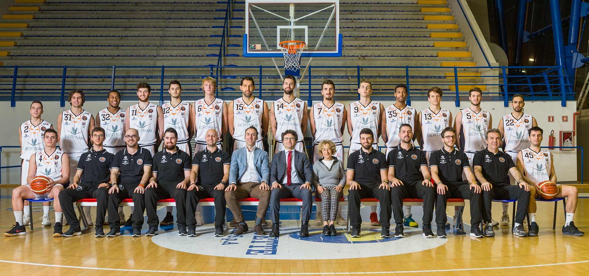 Foto di squadra, Derthona Basket